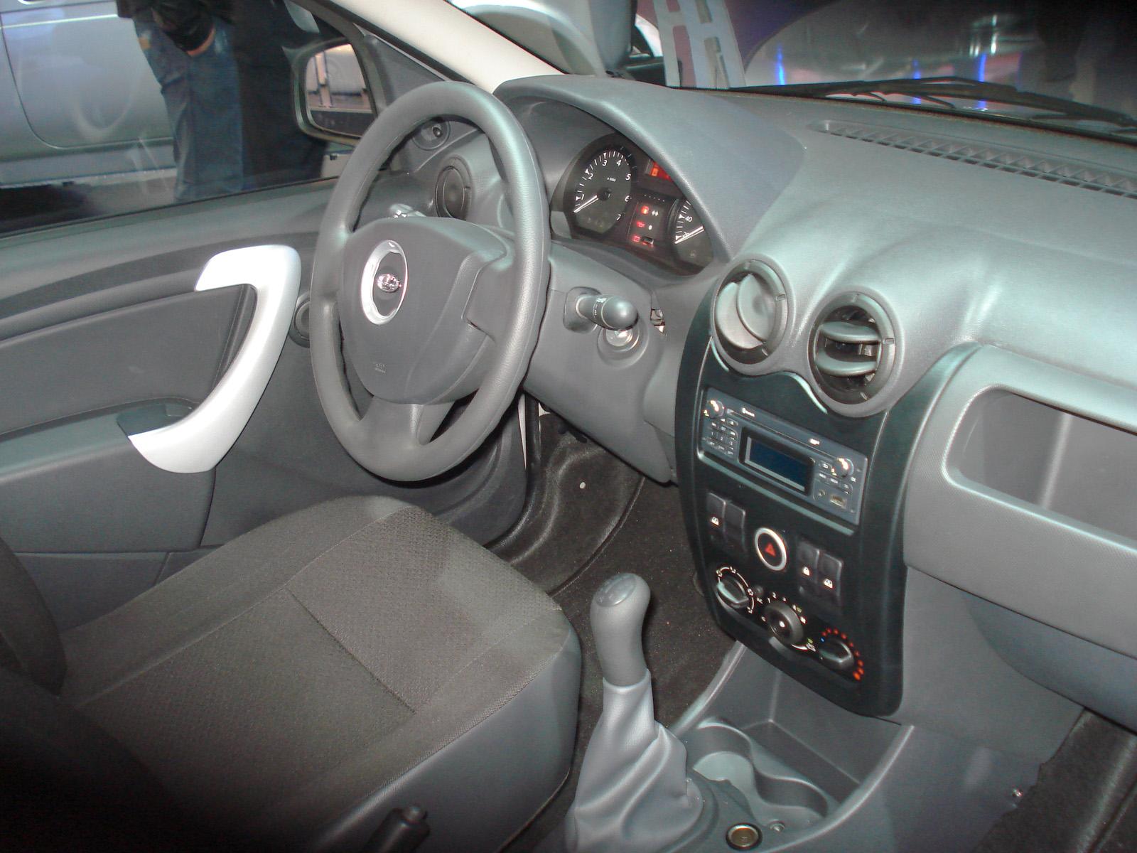 Водитель Лада Ларгус в таком практичном авто будет чувствовать себя достаточно комфортно