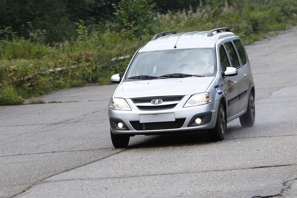 Оценка экспертов - Лада Ларгус надежный и уверенный автомобиль